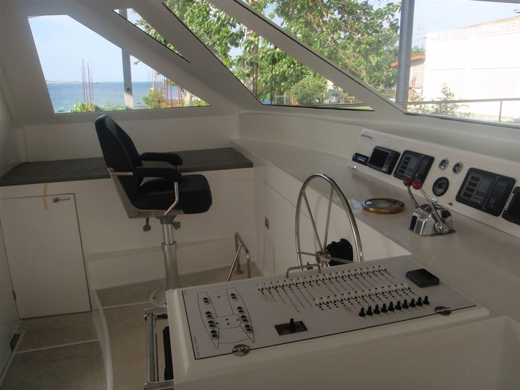 Dive Center For Sale - Scuba diving Liveaboard