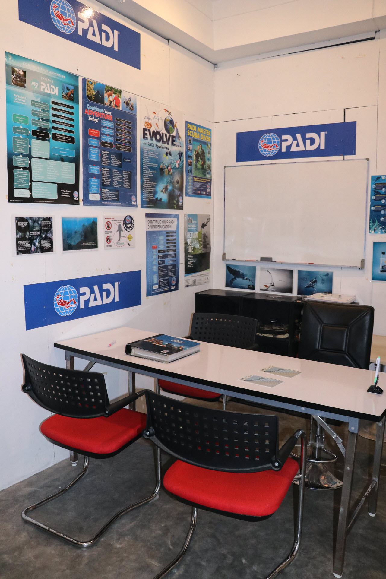 Dive Center For Sale - SOLD / Pimp My Dive PADI Dive Center for Sale, Koh Tao, Thailand. 86.000 USD