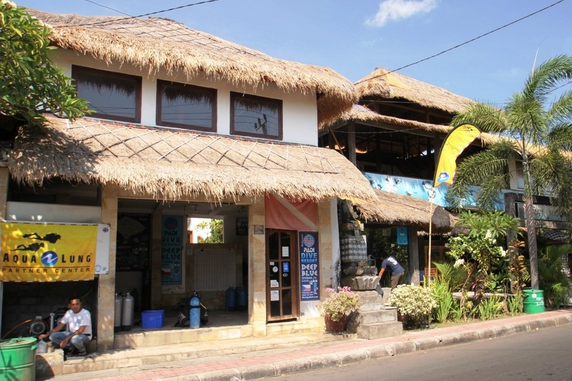 Dive Center For Sale - Tulamben formaly PADI resort (established 1998) 10 rooms, restaurant, swimming pool for sell